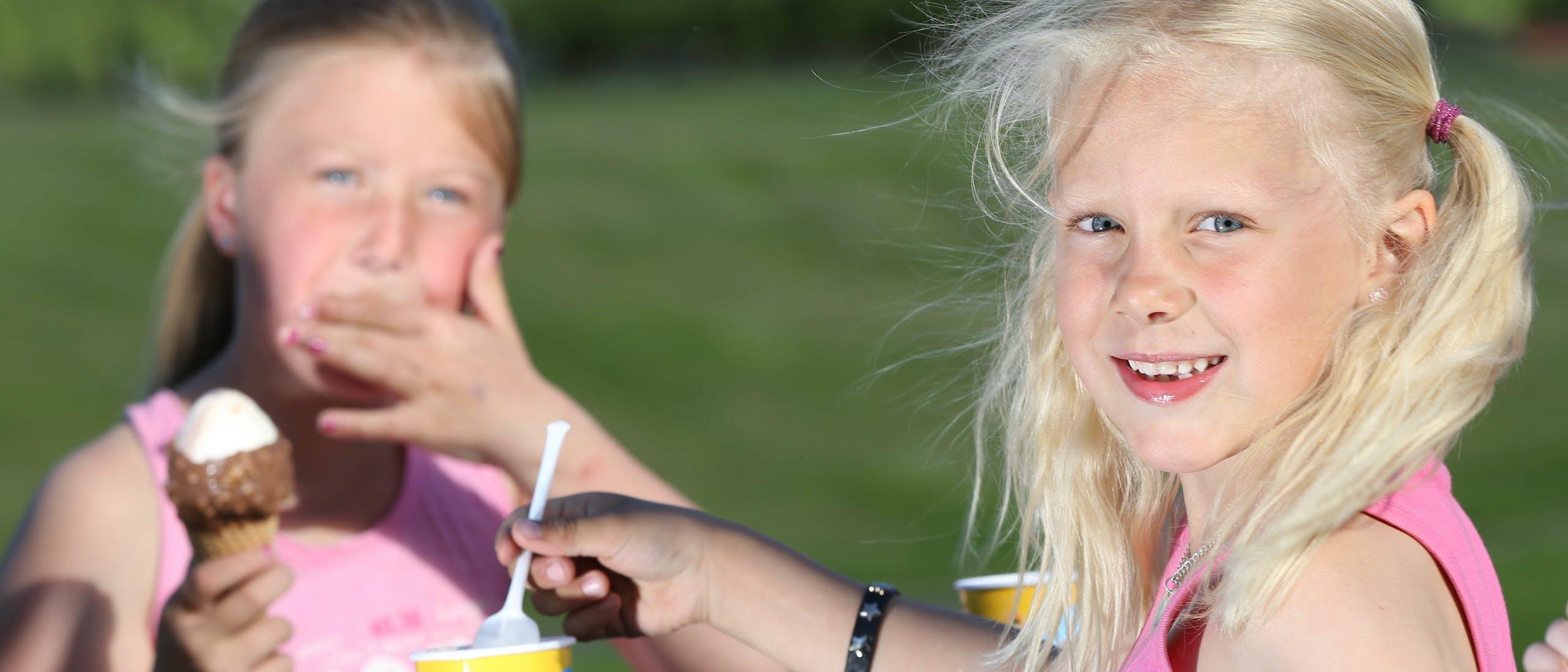 Barn Spiser Is  Geir Olsen