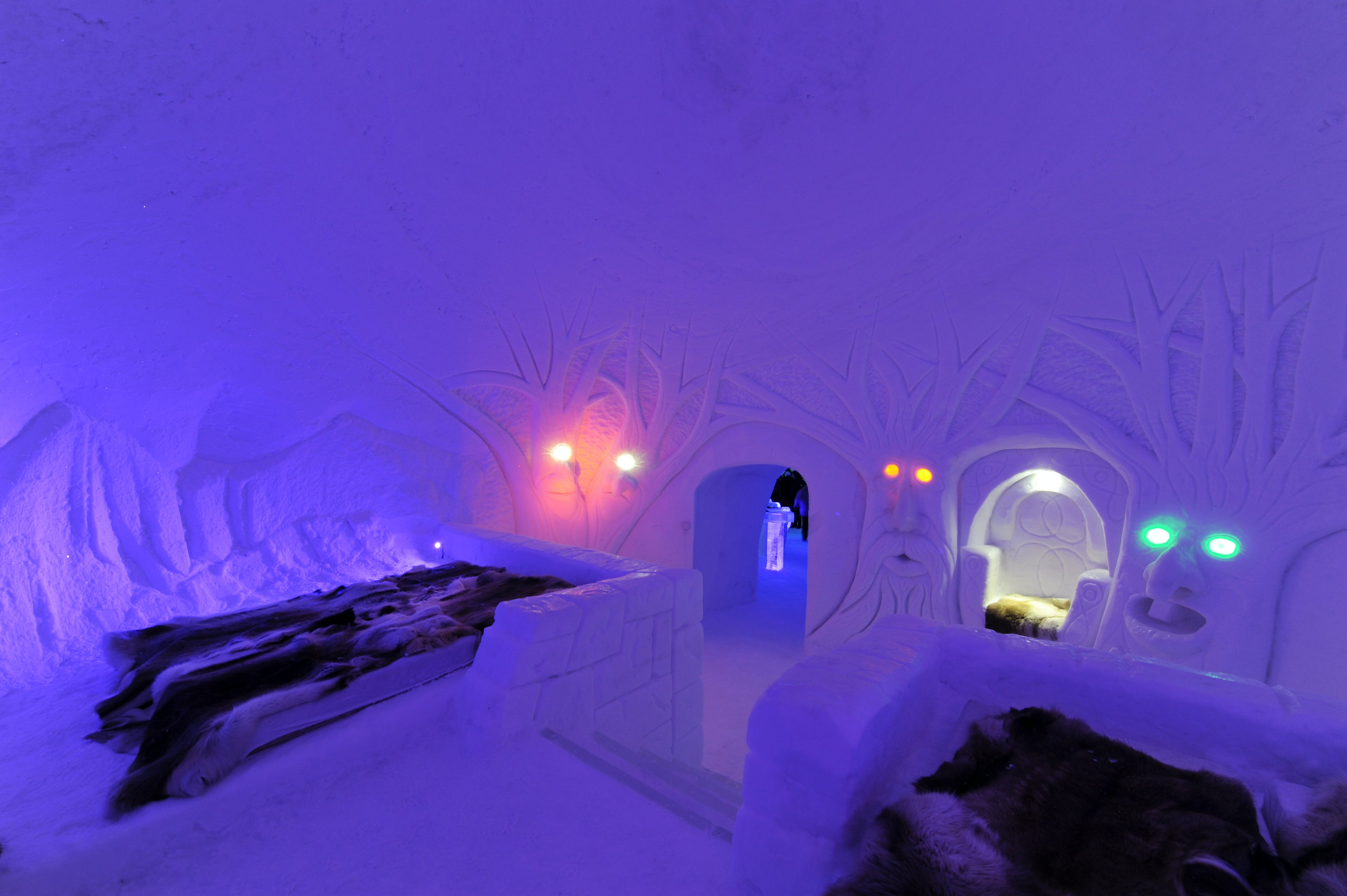 Magic in ice and snow at Hunderfossen Snow Hotel